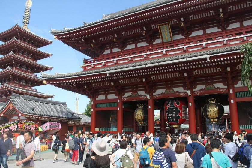 Sensou-ji courtyard